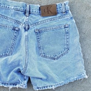 Vtg CK Calvin Klein distressed denim jean shorts 9